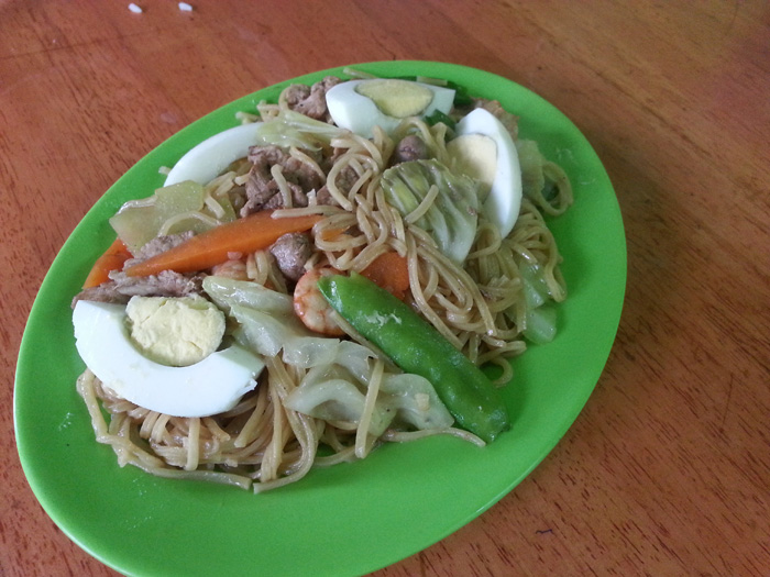 Valentine's Review: 5 motel pancit cantons - Eats Now or Never